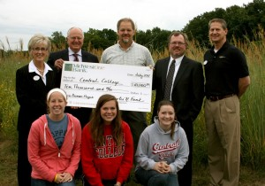 Front row (from left to right): Central students Regan Jamieson, Olivia Schouten, Rhiley Huntington. Back row: Margaret Ratcliff; Dave Sutphen; Russ Benedict; Brian Hauser, vice president, CML/AG lender at MidwestOne; Paul Jones, vice president, CML/AG lender at MidwestOne.