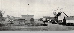The community of Muchakinock, located 5 miles south of Oskaloosa. The road going from left to right is now Highway 63. (photo from Mahaska Historical Society Archives)