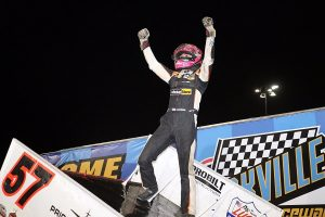 Kyle Larson won Brandt Professional Agriculture Night #1 of the 57th Annual 5-hour ENERGY Knoxville Nationals presented by Casey's General Stores (DB3 Imaging)